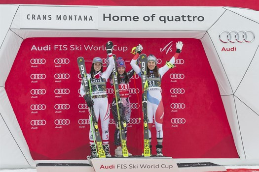 Podest Super-G: 1. Tina Weirather LIE/2. Anna Veith AUT/3. Wendy Holdener SUI